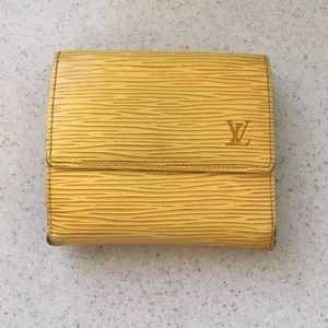 100% Authentic vintage Louis Vuitton Elise wallet
